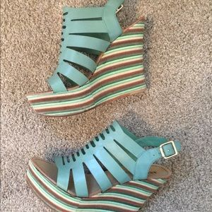 Green stripped wedges
